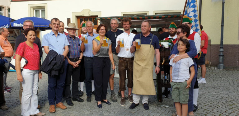 40. Kulmbacher Altstadtfest | Gelungener Jubiläumsbier-Anstich durch OB Henry Schramm